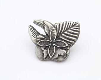 Vintage Helping Hands Pendant-Brooch in Sterling Silver. [11443]