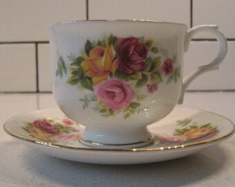 Vintage fine bone china - Vintage Sadler Wellington teacup & saucer - Floral china - Retro roses - Gold gilding