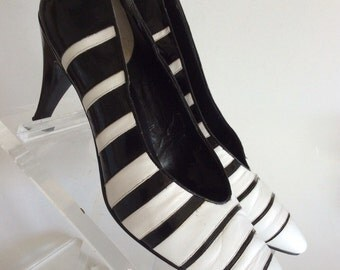 NEW WAVE Vintage 80s Black & White Striped Leather Op-Art High Heel Pumps Shoes from Robinsons. Size 9.