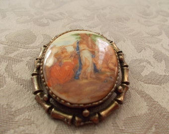 Vintage Pin/Pendent With Enamble Pictorail