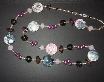 Necklace with crystals and glass beads