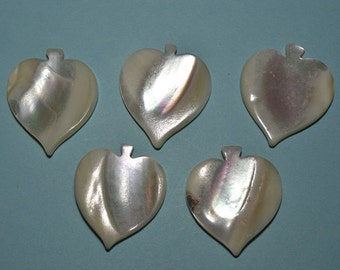 Vintage Mother of Pearl Spade Charm/Pendants - Set of 5 (2041604)
