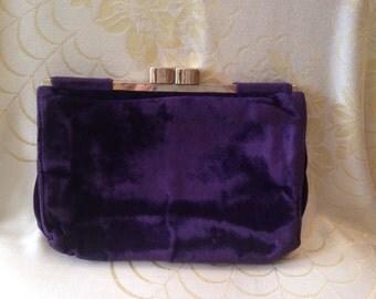 Stunning deep purple velvet 1920s clutch