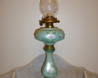 Victorian Hand painted green glass banquet oil lamp USA circa 1880