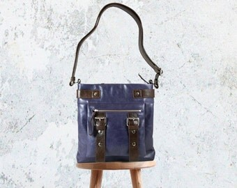 UN1 Purple Crossbody Leather Bag: Shoulder Purse / Crossbody Bag / Tablet Bag / Zipper Fits Kindle / Purple Bag / Kindle Bag.