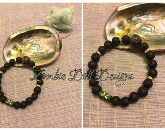Handsome men's/unisex lava rock and bloodstone energy elastic diffuser bracelet! Dapper :-)