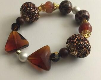 Elegant tiger eye beaded bracelet