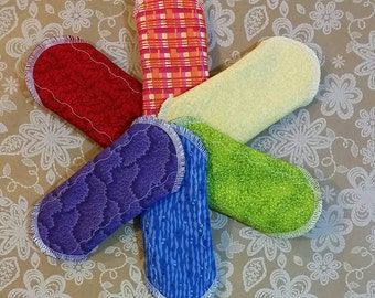 "Set of 5 - 6"", 8"" 10"" or 12""  Cotton or Flannel Topped Regular Cloth Pads With Wings, Random Prints"