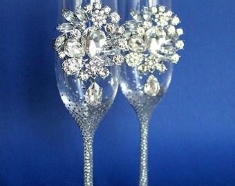 Pesronalized Champagne Wedding Flutes, Set of 2, Wedding glasses,Crystal toasting flutes personalized,luxury traditional, Swarovski Crystals