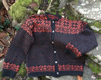 Handmade beautiful vintage fair isle Norwegian Wool Sweater size XXL