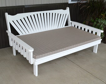 Yellow Pine Fanback 5ft. Daybed