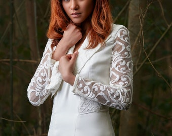 Wedding jacket with long lace sleeves
