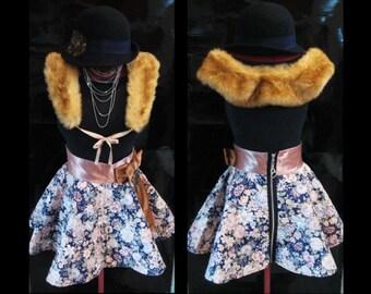 Circular short skirt with flower