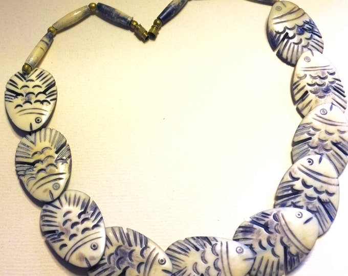Vintage Resin Art Deco Figural Fish Nautilus Necklace