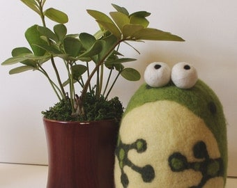 Felted, Weighted Frog, Novelty Bookend, Doorstop, Paperweight, Decoration
