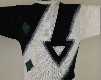ON SALE Geometric 1990s Vintage Sweater, size M