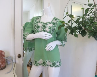 Vintage 1980's Green Boho Hippie Imbroidered Blouse Size S/M