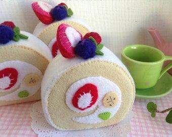 Play Toy --- Felt Roll Cake