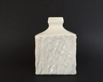 Sgrafo Modern 1863 / 13 square  white porcelain Op Art vase Modernist Mid Century  Germany vase, designer Peter Müller.