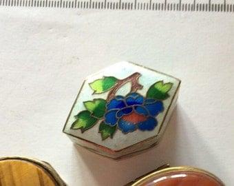 Simply stunning vintage enamel pill box