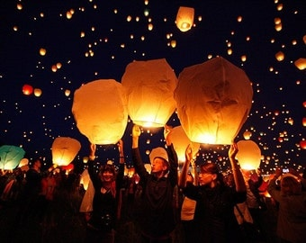 10 pcs White Paper Chinese Lanterns Sky Fly Candle Lamp for Wish Party Wedding