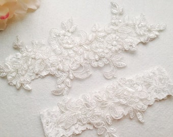 Wedding Garter Bridal Light Ivory GarterTossing GarterKeepsake