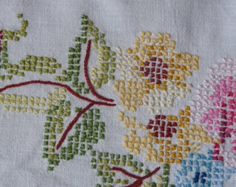 "Vintage Tablecloth Cross Stitch Hand Embroidered 48"" squ. 120cms"
