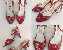 Vintage 60's Strappy Peep Toe Painted Floral Red Classic Delicate High Heels - Size 5.5 to 6