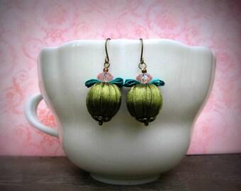 Baroque style earrings - mossy green