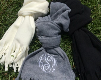 WINTER WHITE monogrammed scarf