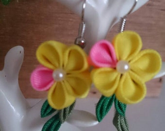 Yellow flower earrings 8-3