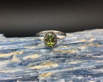 Oval Peridot Ring // 925 Sterling Silver // Oxidized Setting