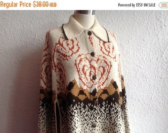 SALE 1960s cream knit cape