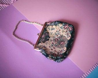 Floral Gobelen Clutch bag with gold metal trim