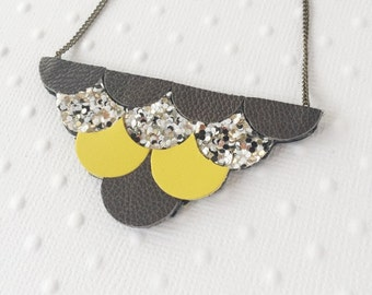 """Necklace """"Louise"""" grey / glitter / yellow scales - leather"""