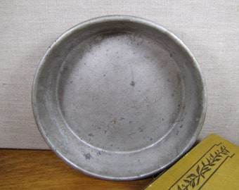Small Industrial Cake Pan - 7""