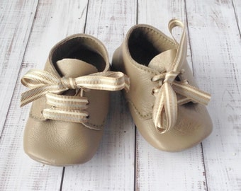 Soft leather baby booties - Leather infant shoes - Handmade Leather crib shoes - Leather baby shoes - Brown leather baby boy shoes