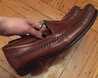 SALE! 30% off!! Vintage leather loafers!