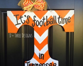 UT Vols Orange & White Chevron Tennessee Vols Football Wooden Door Hanger // Go Big Orange Door Decor // University of Tennessee Wreath