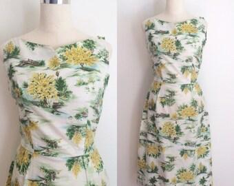 1950s Cotton Novelty Print Dress 28 inch Waist   50s White Cotton Scenic Nature Print Dress Size Medium