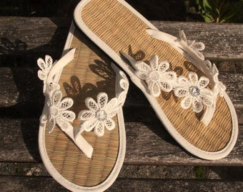Ladies Straw Flip Flops Hand Decorated with Lace Daisy