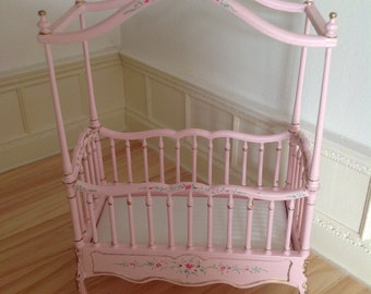 Dollhouse 1:12 bespaq canopy bed.
