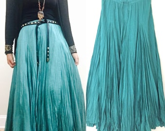 Indian Maxi Long Skirt/ Pleated Boho Maxi Skirt / Summer long maxi skirt / Woman Long Skirt / Ethnic hippie Gypsy maxi skirt / Small