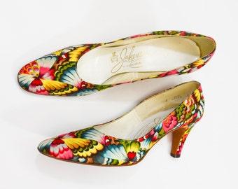 60s Print Pumps   Size 8 Op Art Print Pumps   Colorful Feather-like Pattern   Johansen Shoes