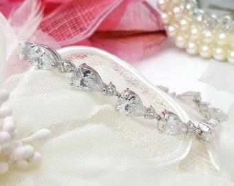 Teardrop Cubic Zirconia Wedding Bracelet, CZ Bracelet,Bridal Accessory, Wedding Jewelry