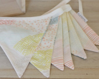 Large Garland pennants, Collection Happiness