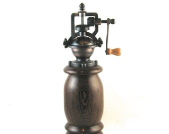 Pepper Grinder, antique style, hand crank, Birthday gift, Gift for him, handmade in Canada from Wenge
