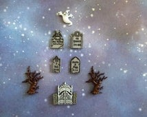 Graveyard Cemetery Gate Tombstone Headstone Tree Halloween Silicone Mold Fondant Chocolate Candy Cake Decorating Tool Resin Polymer Clay
