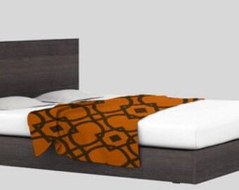 items similar to jet de lit dessus de lit couverture d corative doudou divan ou bande accent. Black Bedroom Furniture Sets. Home Design Ideas
