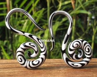 "Black & White Tribal Swirl Pyrex Glass Swan Spirals 6g 4g 2g 0g 00g 7/16"" 1/2"" 9/16"" 5/8""  4 mm 5 mm 6 mm 8 mm 10 mm 12 mm 14 mm 16 mm"